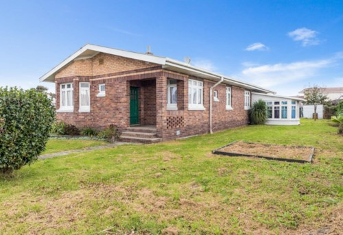 Mangere East, 3 bedroom Mangere East Family Home, Property ID: 36003028 | Barfoot & Thompson