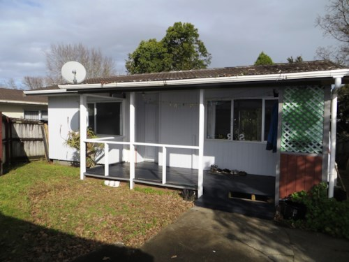 Mangere East, Redesigned, Renovated, and Ready!, Property ID: 36003035 | Barfoot & Thompson