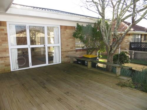 Papatoetoe, Sunny 3 Bedroom in Perfect Location!, Property ID: 36003038 | Barfoot & Thompson