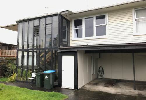 Hillsborough, 2 Bedroom Unit, Mount Roskill Central Location - INCLUDES WATER, Property ID: 36003064 | Barfoot & Thompson