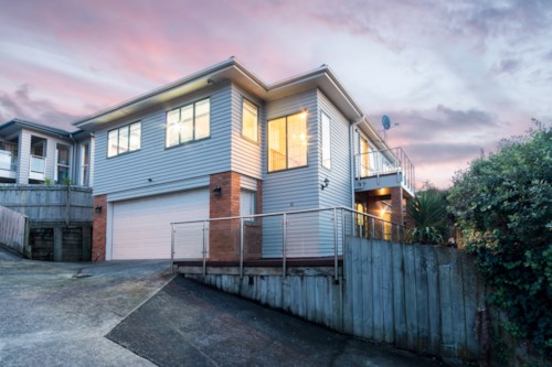 Pakuranga, Brick/weatherboard and tile home in the heart of Pakuranga Heights, Property ID: 36004064 | Barfoot & Thompson
