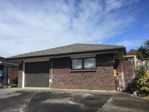 Papatoetoe, Three Bedroom Family House In Central Papatoetoe, Property ID: 36004065 | Barfoot & Thompson