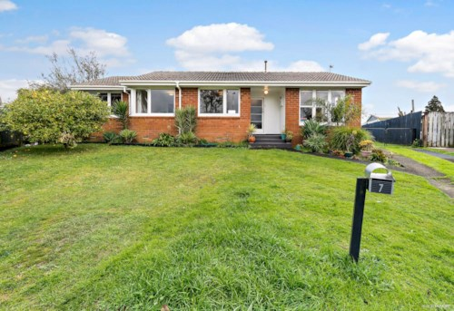 Mangere, 4 Bedroom Brick and Tile Single Level House , Property ID: 36004082 | Barfoot & Thompson