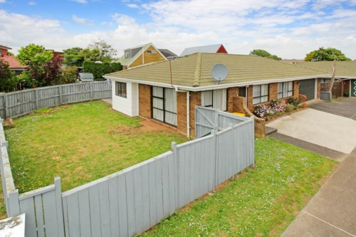 Papatoetoe, 3 BEDROOM IN CAMDEN PLACE - NO LETTING FEE, Property ID: 36004114 | Barfoot & Thompson