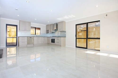 Pakuranga, 5 Bedroom, Double Garage, 2 Year Old House !!!, Property ID: 36004141 | Barfoot & Thompson