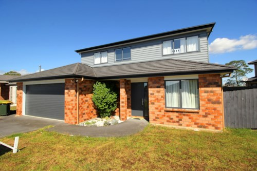 Wattle Downs, Huge 5 Bedroom + Study in Tranquil Wattle Downs!, Property ID: 36004142 | Barfoot & Thompson