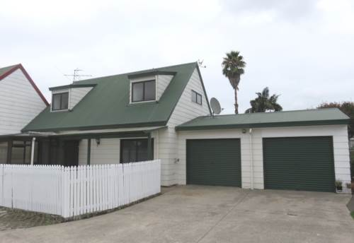 Papatoetoe, 3 Bedroom Town House with two bathrooms and internal Garage, Property ID: 36004145 | Barfoot & Thompson