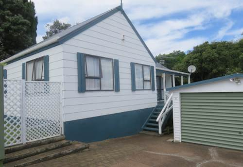Bucklands Beach, 3 Bedroom Home + Double Garage !, Property ID: 36004153 | Barfoot & Thompson