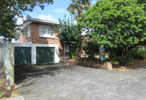 Papatoetoe, Large brick and Tile Family Home, Property ID: 36004162 | Barfoot & Thompson