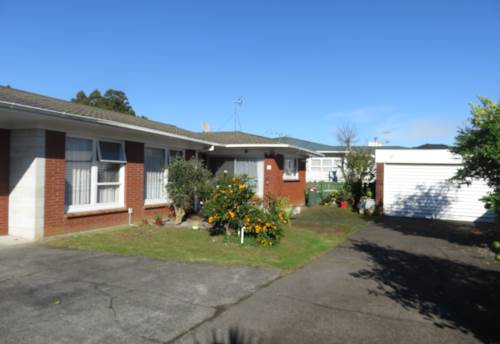 Papatoetoe, 3 Bedroom, Double Garage, Quiet Street, Property ID: 36005190 | Barfoot & Thompson