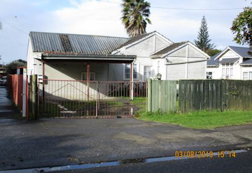 Otahuhu, Four Bedroom House with two bathroom- Rent Inculdes Water, Property ID: 36005213 | Barfoot & Thompson