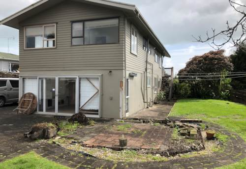 Howick, 2 Bedroom Downstairs Unit , Property ID: 36005239 | Barfoot & Thompson