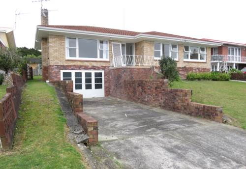 Hill Park, Great 3 bedroom house in the heart of Hill Park, Property ID: 36005240 | Barfoot & Thompson