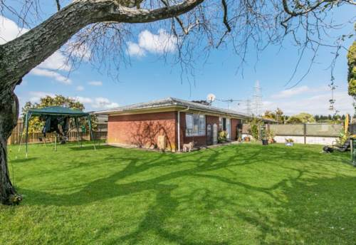 Pakuranga, Two bedroom unit close to public transport, Property ID: 36005243 | Barfoot & Thompson