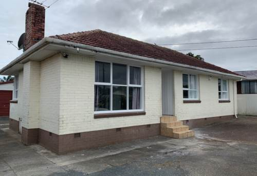 Mangere, 3 Bedroom + Study + Double Garage + Pets Allowed, Property ID: 36005386 | Barfoot & Thompson