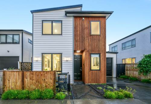 Hobsonville, Your Dream Home - 2 Ensuites, Property ID: 811484 | Barfoot & Thompson
