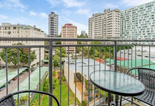City Centre, CBD Hideaway - Perfect for Students or those working local, Property ID: 37002635   Barfoot & Thompson
