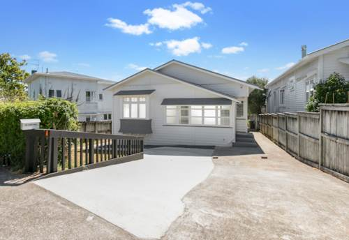 Westmere, Love where you live , Property ID: 37002715 | Barfoot & Thompson