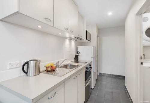 Manukau, Spacious 2-bedroom apartment with Carpark, Property ID: 811479   Barfoot & Thompson
