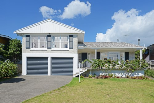 Ellerslie, AMAZINGLY WARM AND SUNNY HOME, Property ID: 38000099 | Barfoot & Thompson