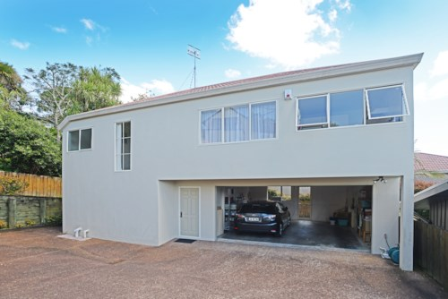 Remuera, 2 LEVELS OF GENEROUS SPACE- PETS FRIENDLY , Property ID: 38000147 | Barfoot & Thompson