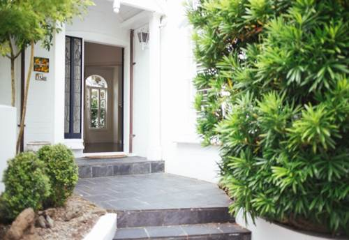 Remuera, SPACIOUS TOWNHOUSE MINUTES WALK TO VILLAGE- SECURE FOR THE NEW YEAR!, Property ID: 38000164   Barfoot & Thompson