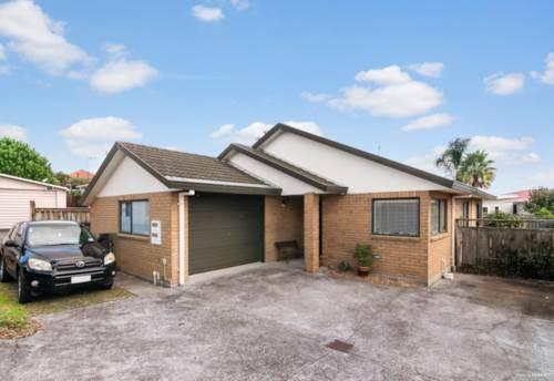Te Atatu South, Elegant Home - Top Location, Property ID: 811525   Barfoot & Thompson