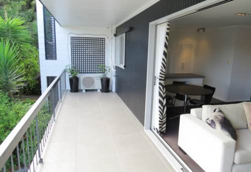 Remuera, MODERN AND ELEVATED UNIT, Property ID: 38000185 | Barfoot & Thompson