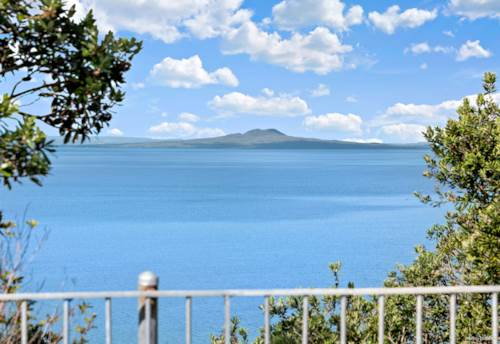 Arkles Bay, Builder's Own Home - Stunning Cliff Top Location, Property ID: 810911 | Barfoot & Thompson