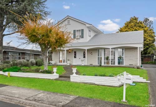 Papakura, GRACIOUS ON HANOVER, Property ID: 811416 | Barfoot & Thompson