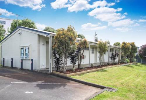 Avondale, WELL PRESENTED STUDIO - WATER INCLUDED, Property ID: 38000349 | Barfoot & Thompson