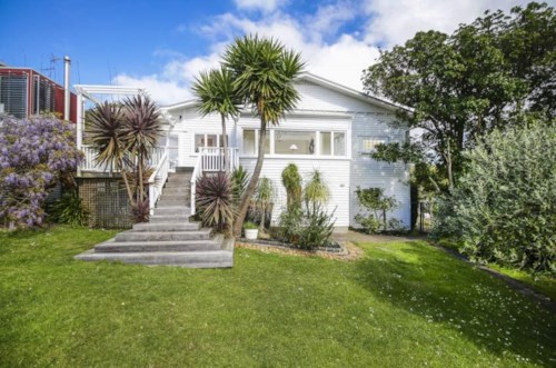 Remuera, FABULOUS HOME - OPEN VIEW, Property ID: 38001544 | Barfoot & Thompson