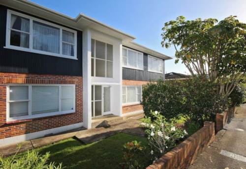 Remuera, UPSTAIRS UNIT -  EASY WALK TO REMUERA VILLAGE, Property ID: 38001564 | Barfoot & Thompson