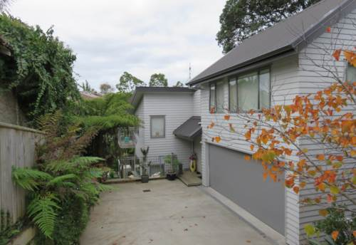 Remuera, Private and Peaceful Townhouse, Property ID: 38001569 | Barfoot & Thompson