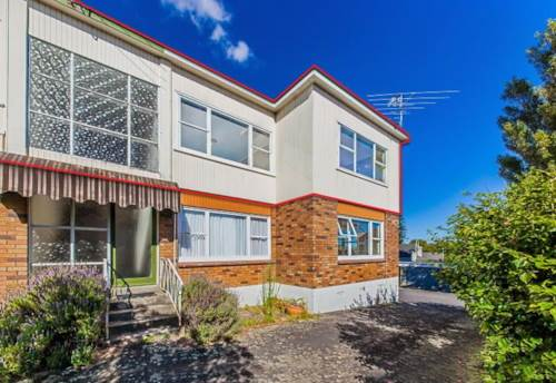 Remuera, UPSTAIRS UNIT -  EASY WALK TO REMUERA VILLAGE, Property ID: 38001584 | Barfoot & Thompson