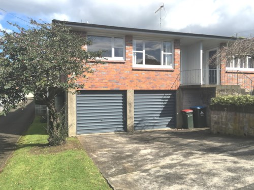 Remuera, TIDY 2 BEDROOM UNIT WITH GARAGE - NO LETTING FEE!  , Property ID: 38001687 | Barfoot & Thompson