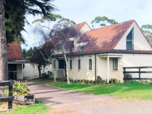Westgate, COUNTRY LIVING - YET SO HANDY TO EVERYTHING, Property ID: 38001777 | Barfoot & Thompson