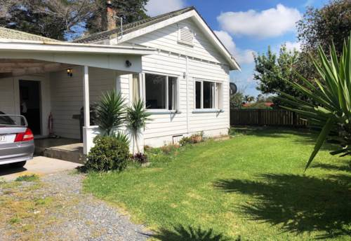 Whenuapai, COMFORTABLE - GREAT OUTDOOR AREAS, Property ID: 38001778 | Barfoot & Thompson
