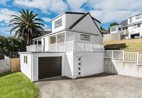 Glenfield, Sunny, Private & Location, Property ID: 809981 | Barfoot & Thompson