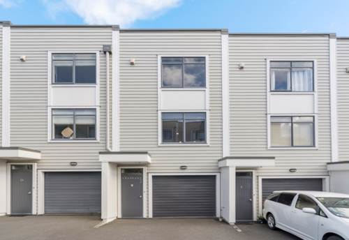 Panmure, (3bdm - first floor & top floor) on 3 levels with waterview!, Property ID: 811607 | Barfoot & Thompson