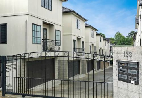 Greenlane, MODERN - IN DOUBLE GRAMMAR ZONE - SECURITY GATED, Property ID: 38001869 | Barfoot & Thompson