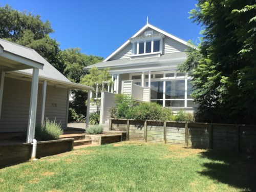Epsom, EXECUTIVE QUALITY - RENT NEGOTIABLE FOR RIGHT TENANTS, Property ID: 38001909   Barfoot & Thompson