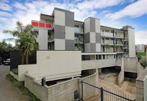 Mt Eden, TOP FLOOR TWO BEDROOM - GREAT VIEWS, Property ID: 38001910 | Barfoot & Thompson