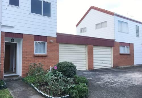 Ellerslie, 2 LEVEL TOWNHOUSE - HEAT PUMP - PARKING, Property ID: 38001942 | Barfoot & Thompson