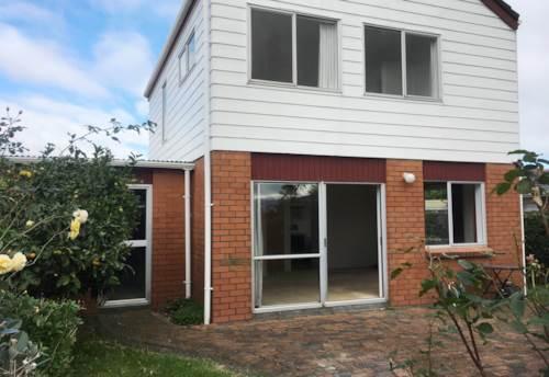 Ellerslie, 2 LEVEL TOWNHOUSE - HEAT PUMP - PARKING, Property ID: 38001942   Barfoot & Thompson