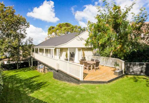 Remuera, CHARMING - PRIVATE - SUNNY - LOCATION, Property ID: 38001979 | Barfoot & Thompson