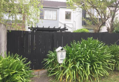 Remuera, PERFECT FOR SMALL FAMILY OR COUPLE, Property ID: 38001983 | Barfoot & Thompson