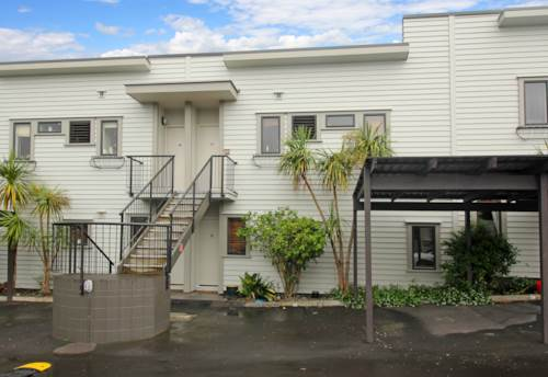 Mt Albert, FANTASTIC GROUND LEVEL APARTMENT - POOL - GYM, Property ID: 38001987 | Barfoot & Thompson