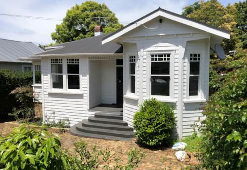 Remuera, SO HANDY TO MOTORWAY & REMUERA SHOPS, Property ID: 38001994 | Barfoot & Thompson