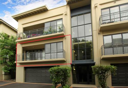 Remuera, POOL - TENNIS COURTS - TRAIN STATION - DGZ, Property ID: 38001996 | Barfoot & Thompson